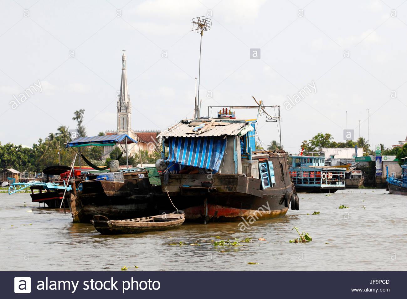Boats along the Mekong River. - Stock Image