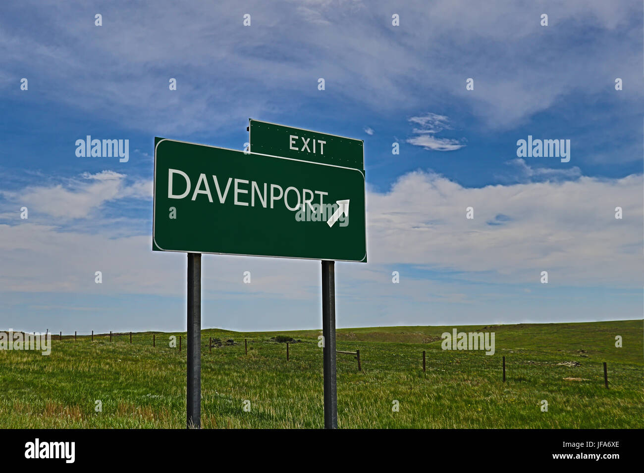 US Highway Exit Sign for Davenport - Stock Image