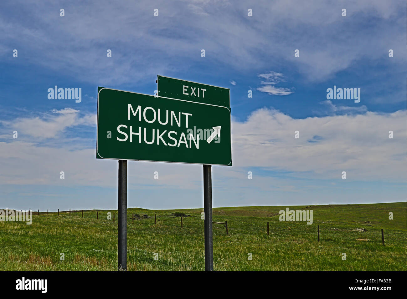 US Highway Exit Sign for Mount Skuksan - Stock Image