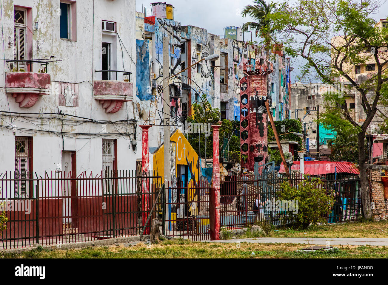 Afro-Cuban murals in the artist colony of CALLEJON DE HAMEL started by the artist SALVADOR GONZALES - HAVANA, CUBA - Stock Image