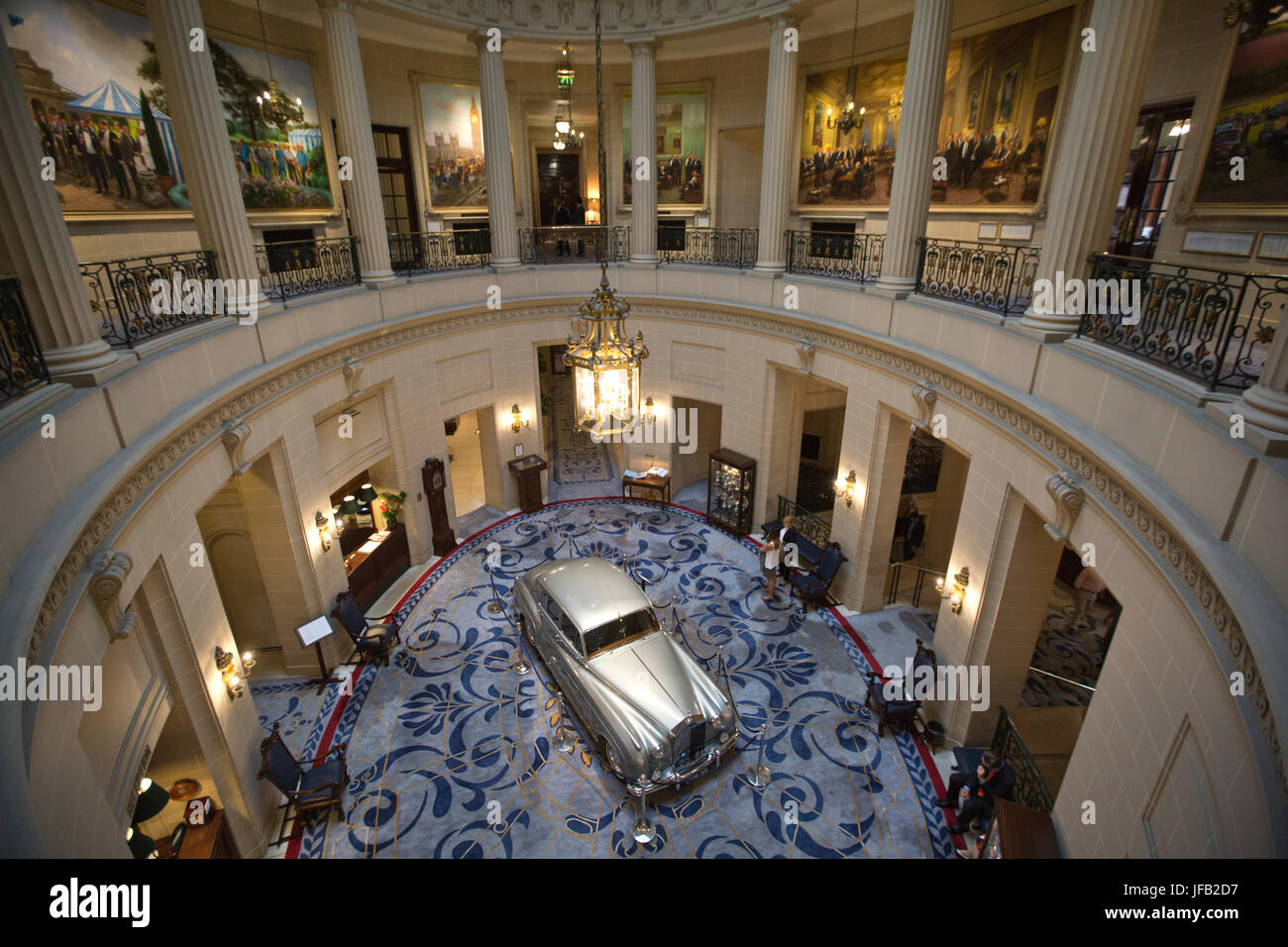 The Royal Automobile Club, British private members' club with over 100 years of tradition located on Pall Mall, - Stock Image