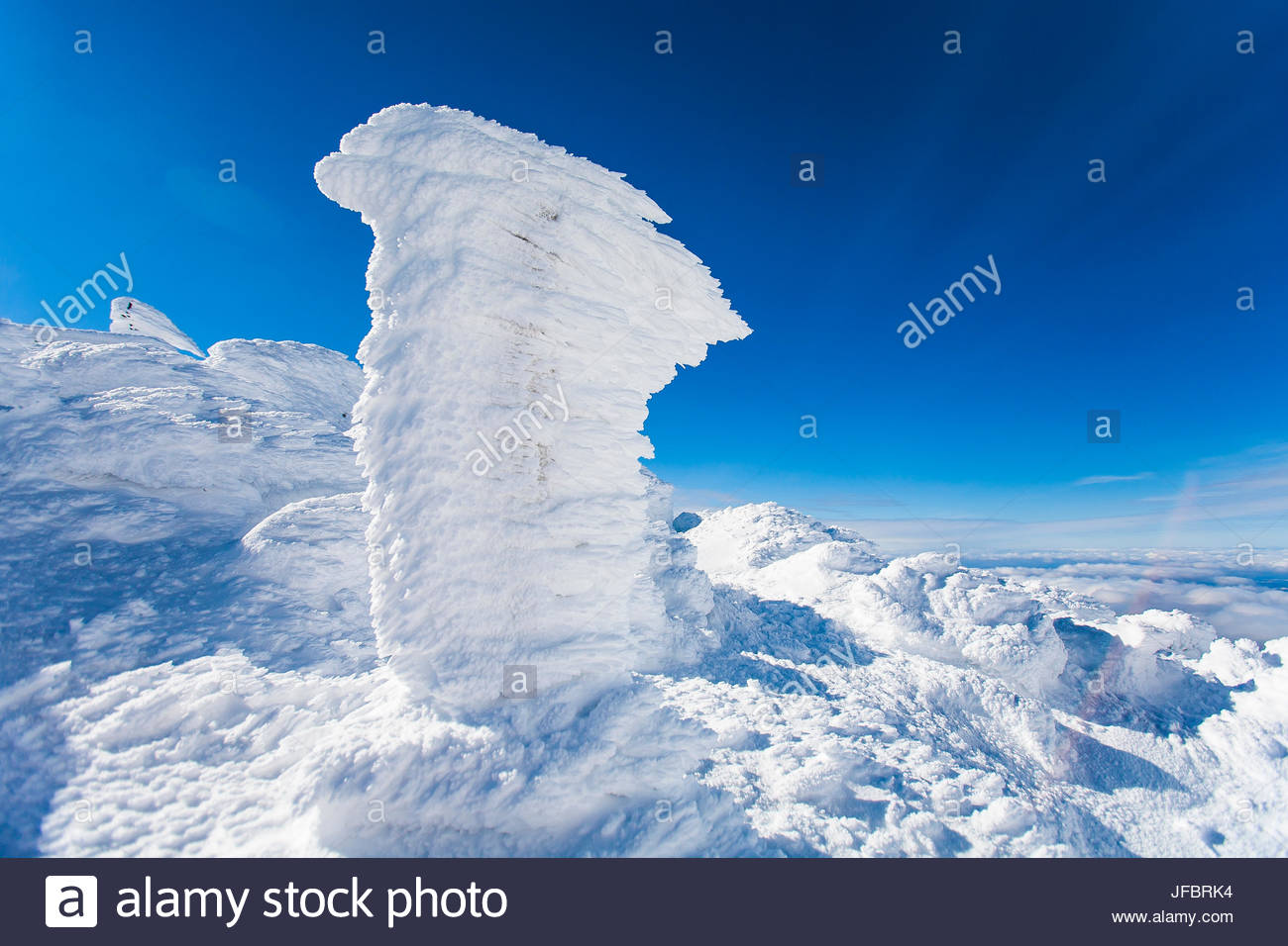 Rime ice covers everything on the summit of Mount Washington in sub zero temperatures at an elevation of 6,288 feet. - Stock Image