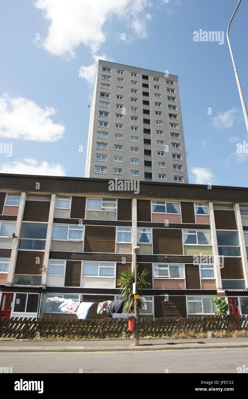 Kings Court, Scunthorpe, high-rise flats, sprinkler system, fire protection system - Stock Image
