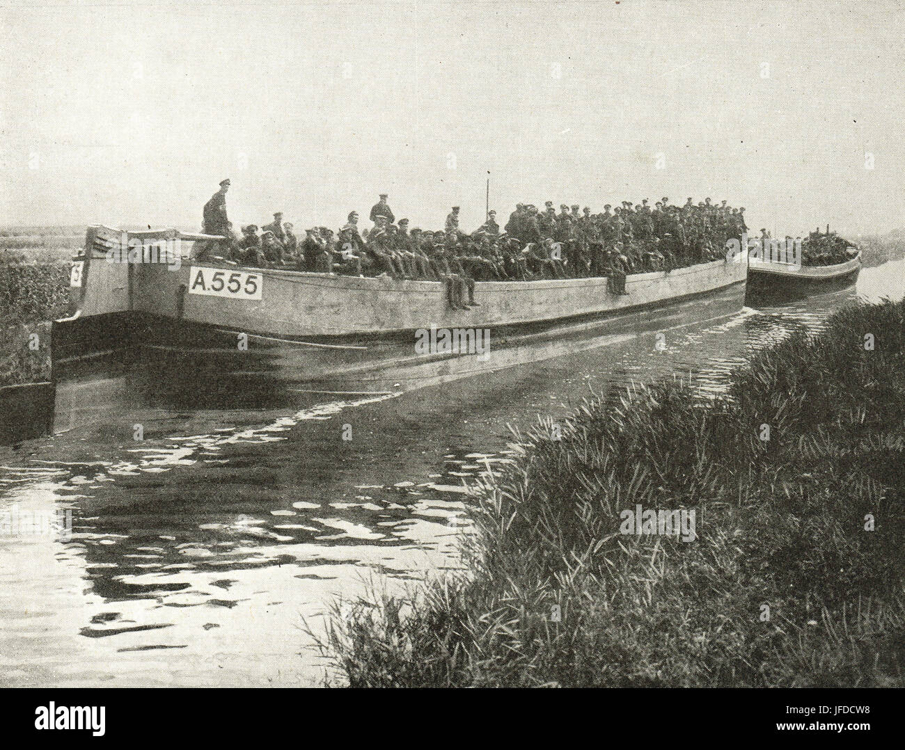 Troops being moved by canal barges, 1917 - Stock Image