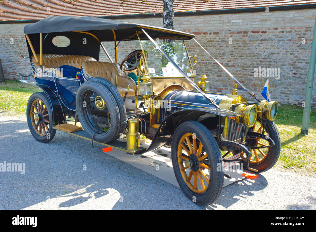 Old-timer rally 'Herkomer contention' in Landsberg in Lech for at least 80 year-old cars, here with Duhanot - Stock Image