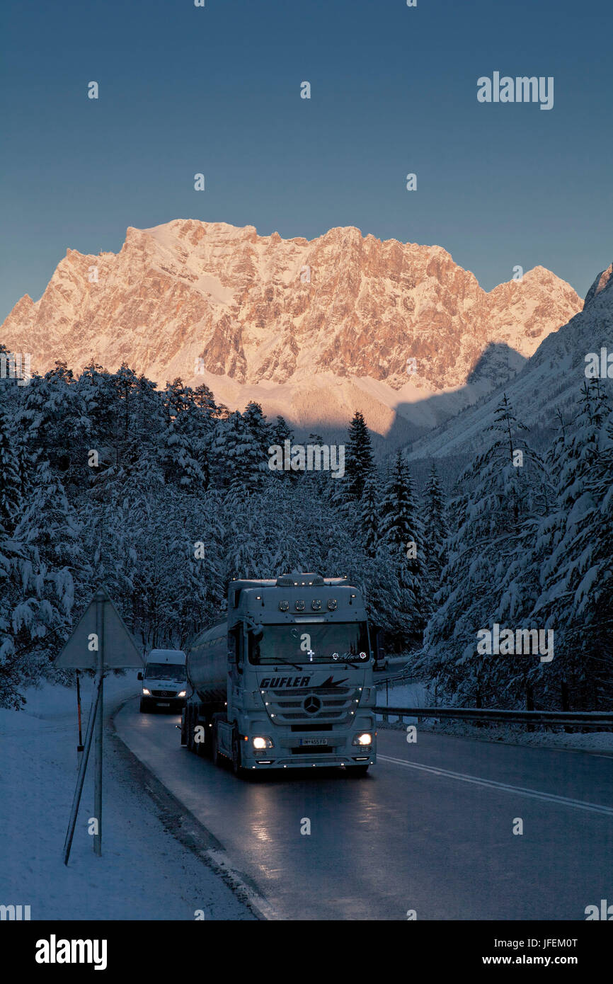 Austria, Tyrol, distant pass, arterial road - Stock Image