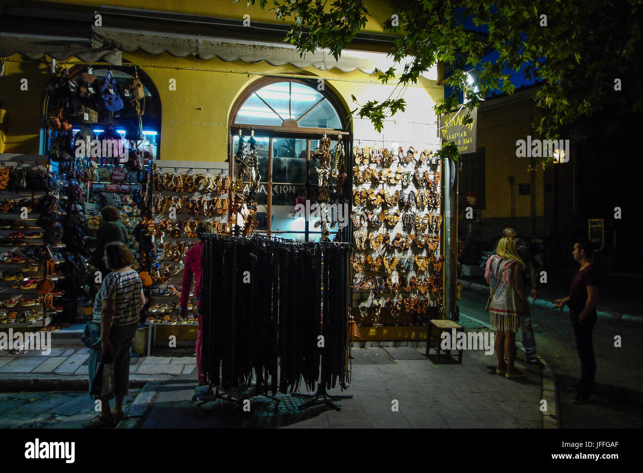 Night scen in Plaka district, Athens (Greece) - Stock Image