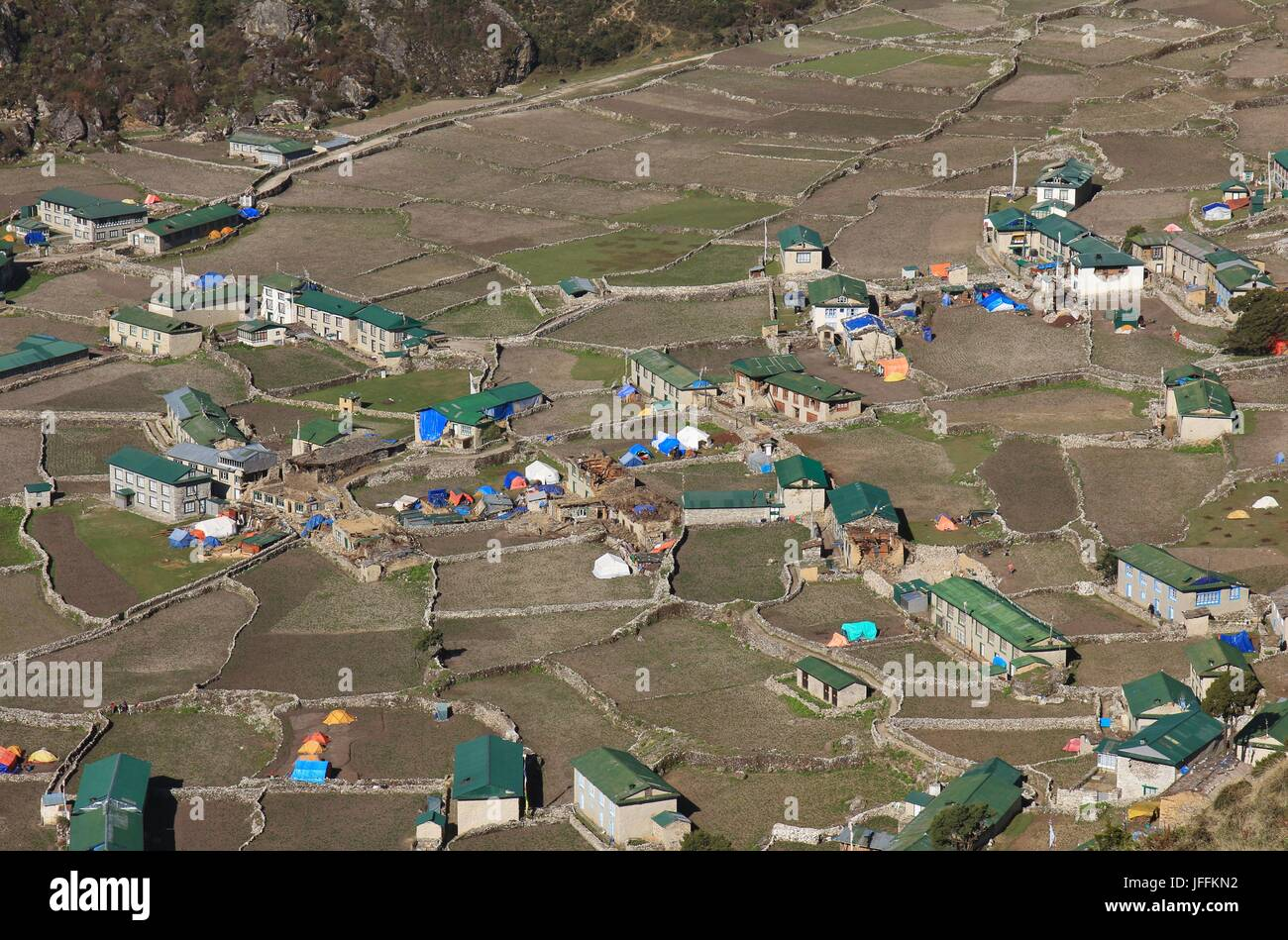 Village Khumjung after the earthquake - Stock Image