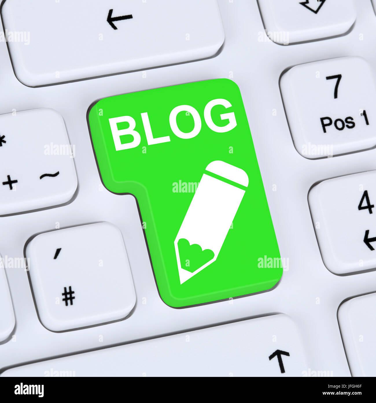 Internet Konzept Blog schreiben online auf Computer - Stock Image