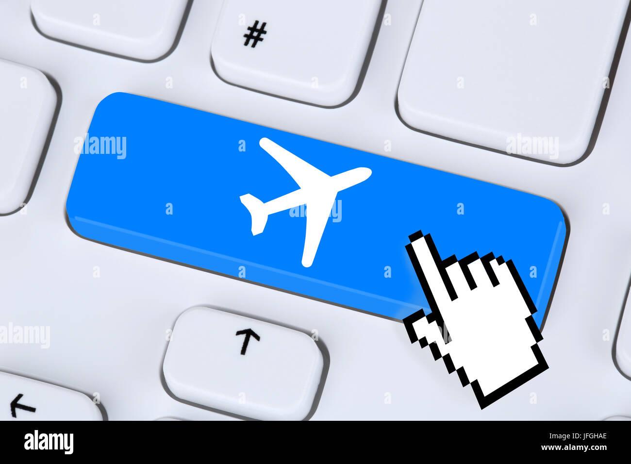 Reisen und Urlaub online buchen einkaufen im Internet - Stock Image