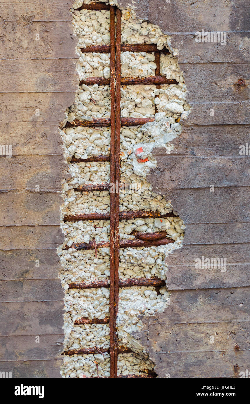 Concrete wall, frost damage, reinforcing steel, - Stock Image