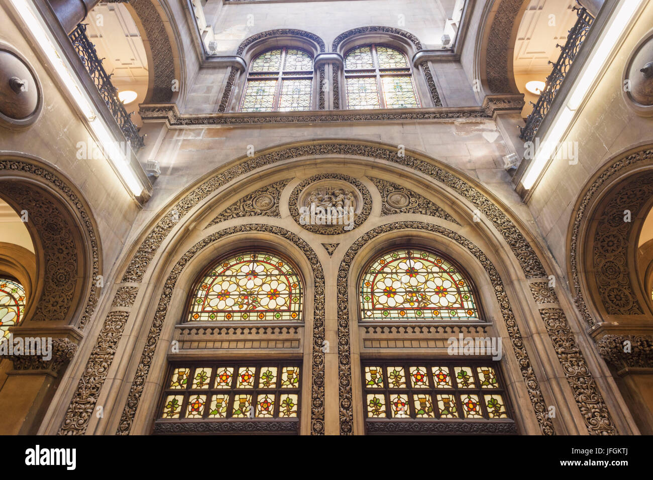 England, Yorkshire, Leeds, The Municipal Buildings, Central Library - Stock Image