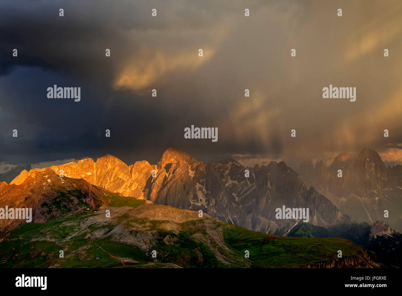 Italy, region Trentino South Tirol, province Bolzano, the Dolomites, to Schlern, thunderstorm about the pert electrolytic - Stock Image