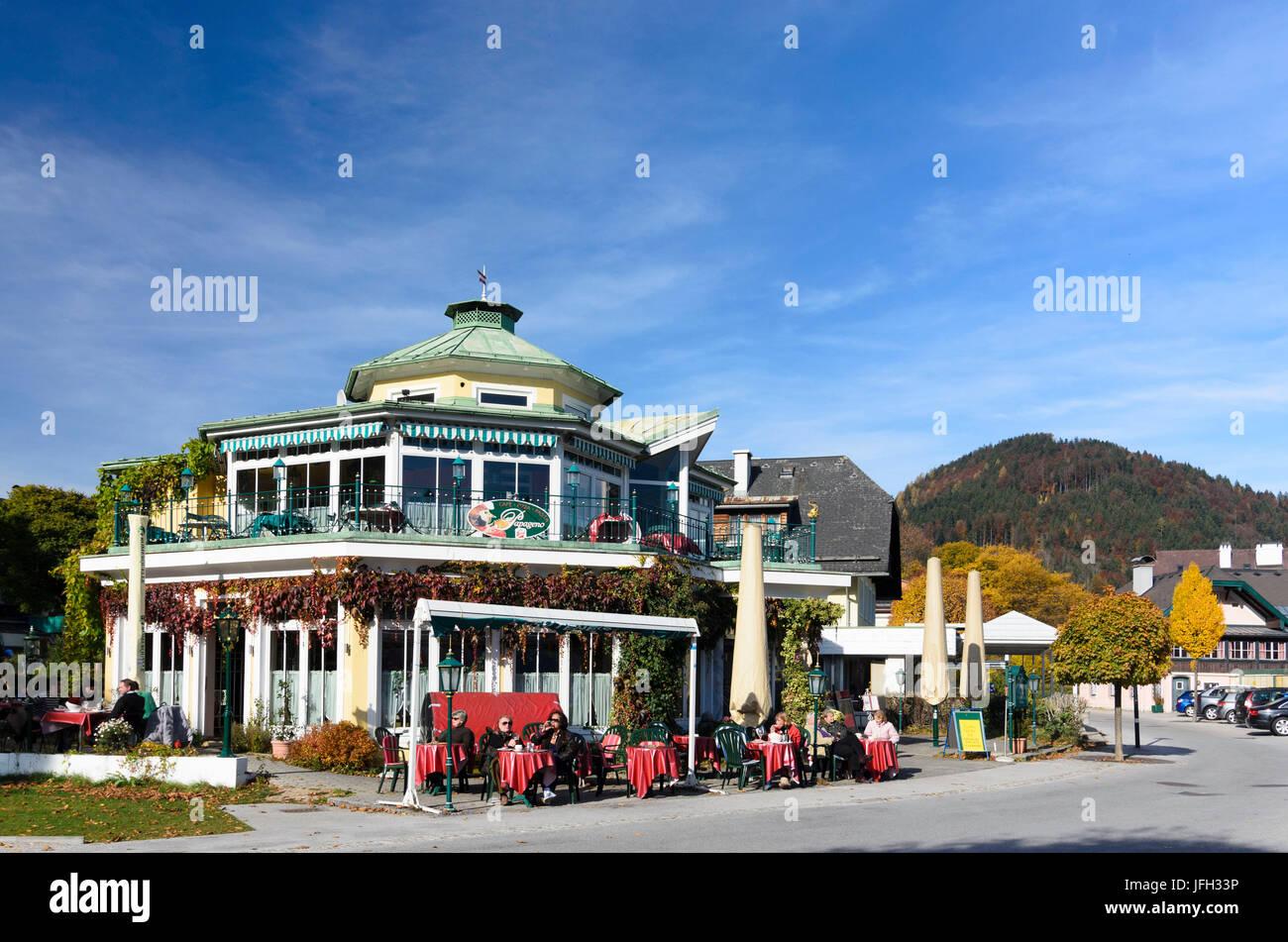 Cafe in the Wolfgangsee, Austria, Salzburg, Salzkammergut, Sankt Gilgen - Stock Image