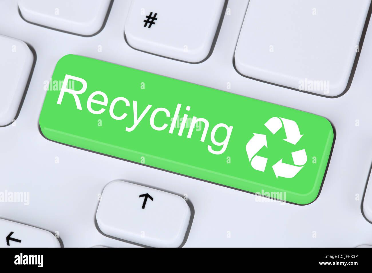 Recycling Button für Umweltschutz auf Computer Tastatur Stock Photo