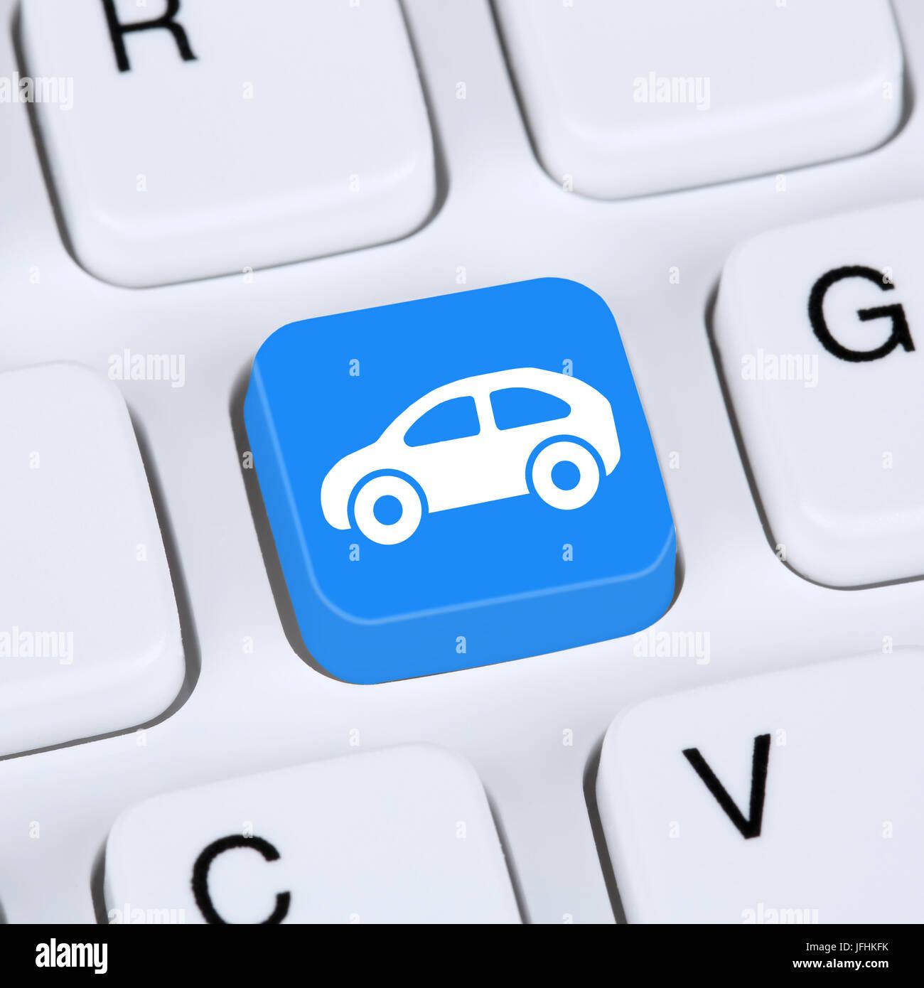 Internet Konzept Auto oder Fahrzeug kaufen und verkaufen online auf Computer - Stock Image