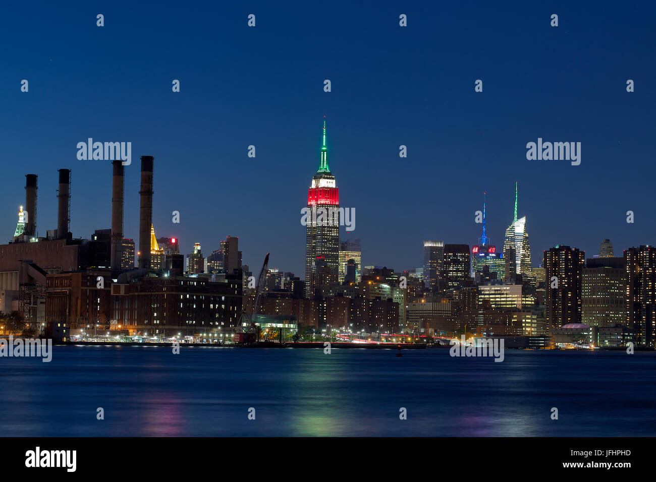 Empire State Building at night - Stock Image