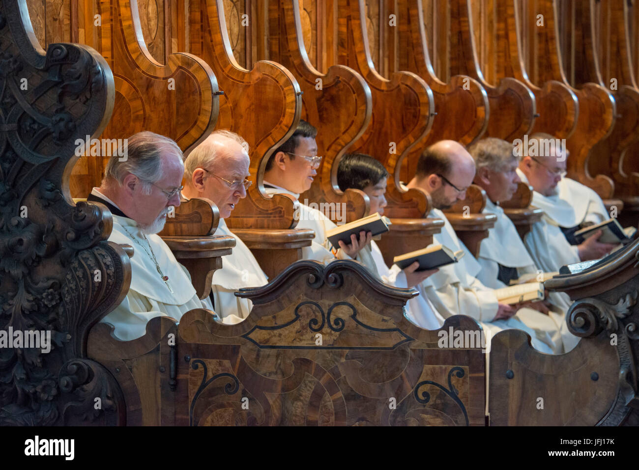 Austria, Tyrol, Stams, Abbey Stams, Cistercian cloister, canonical hour, compline - Stock Image