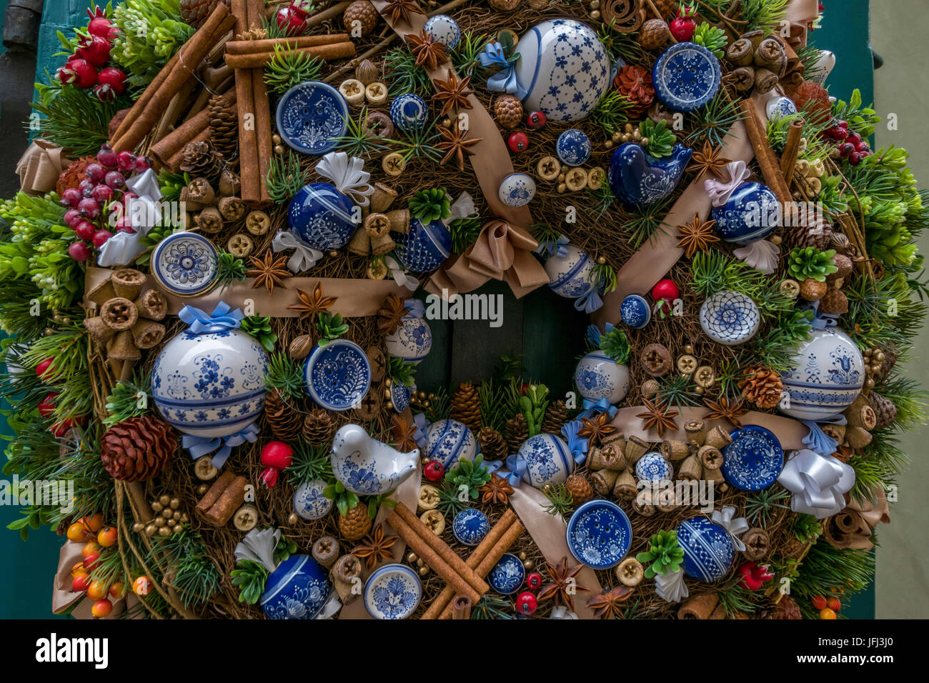 Nice decorated Christmas wreath, decoration, golden alley in Prague, Hradschin, Czech Republic, Europe - Stock Image