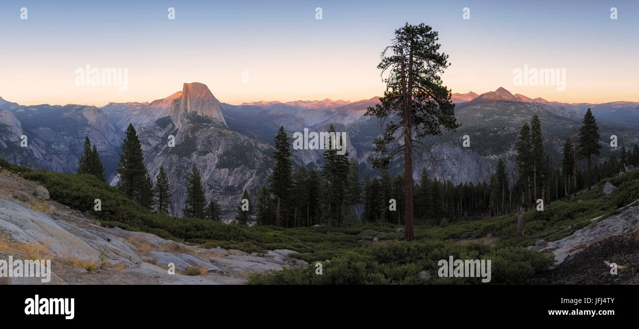 Panoramic view at the Half Dome and environment, Yosemite national park the USA, California - Stock Image