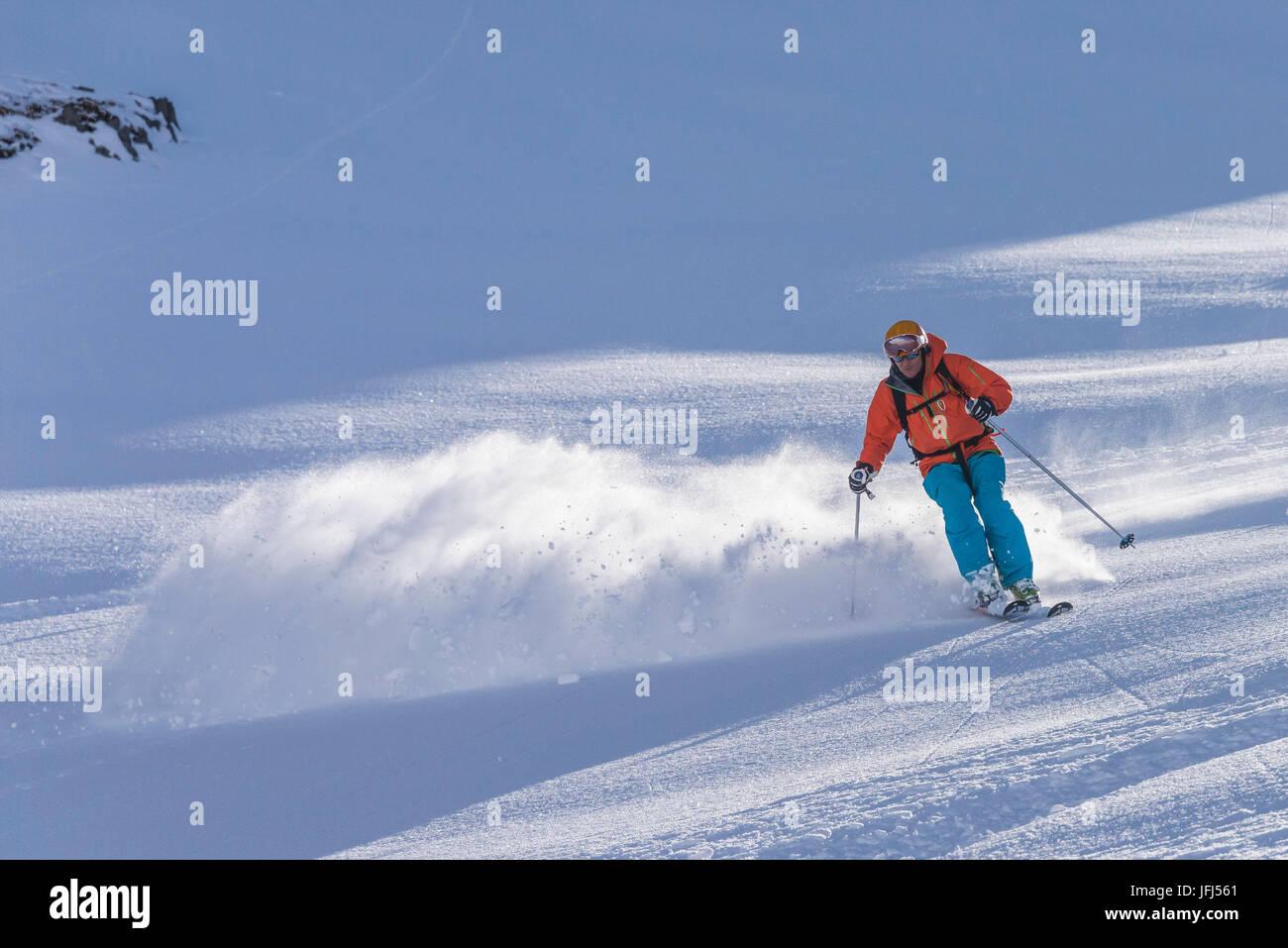 Iceland, Akureyri, troll peninsula Skioadalur, Klaengsholle lodge, Arctic Heli Skiing with Bergmenn Mountain guides - Stock Image