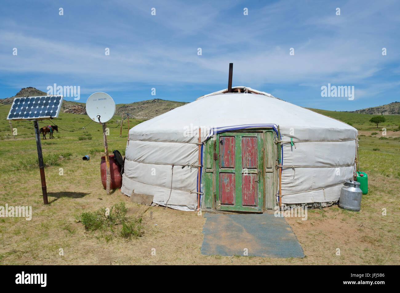 Mongolia, Central Asia, visit with a nomads family in the yurt between Khogno Khan and Dashinchilen - Stock Image
