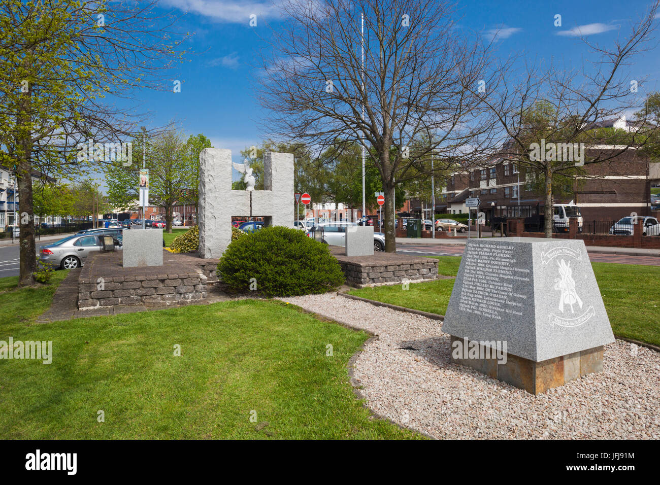UK, Northern Ireland, County Londonderry, Derry, Bogside area, Bloody Sunday Memorial to mass shooting of Republican - Stock Image