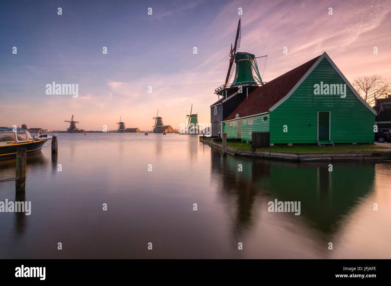 Wind mills at dawn, Zaanse Schans, Nederalnds, - Stock Image