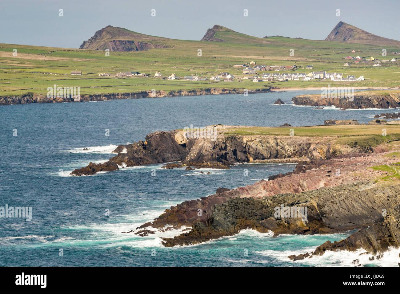 Irish coast with Three Sisters peaks on the background, Dingle Peninsula, Co, Kerry, Munster, Ireland, Europe, - Stock Image