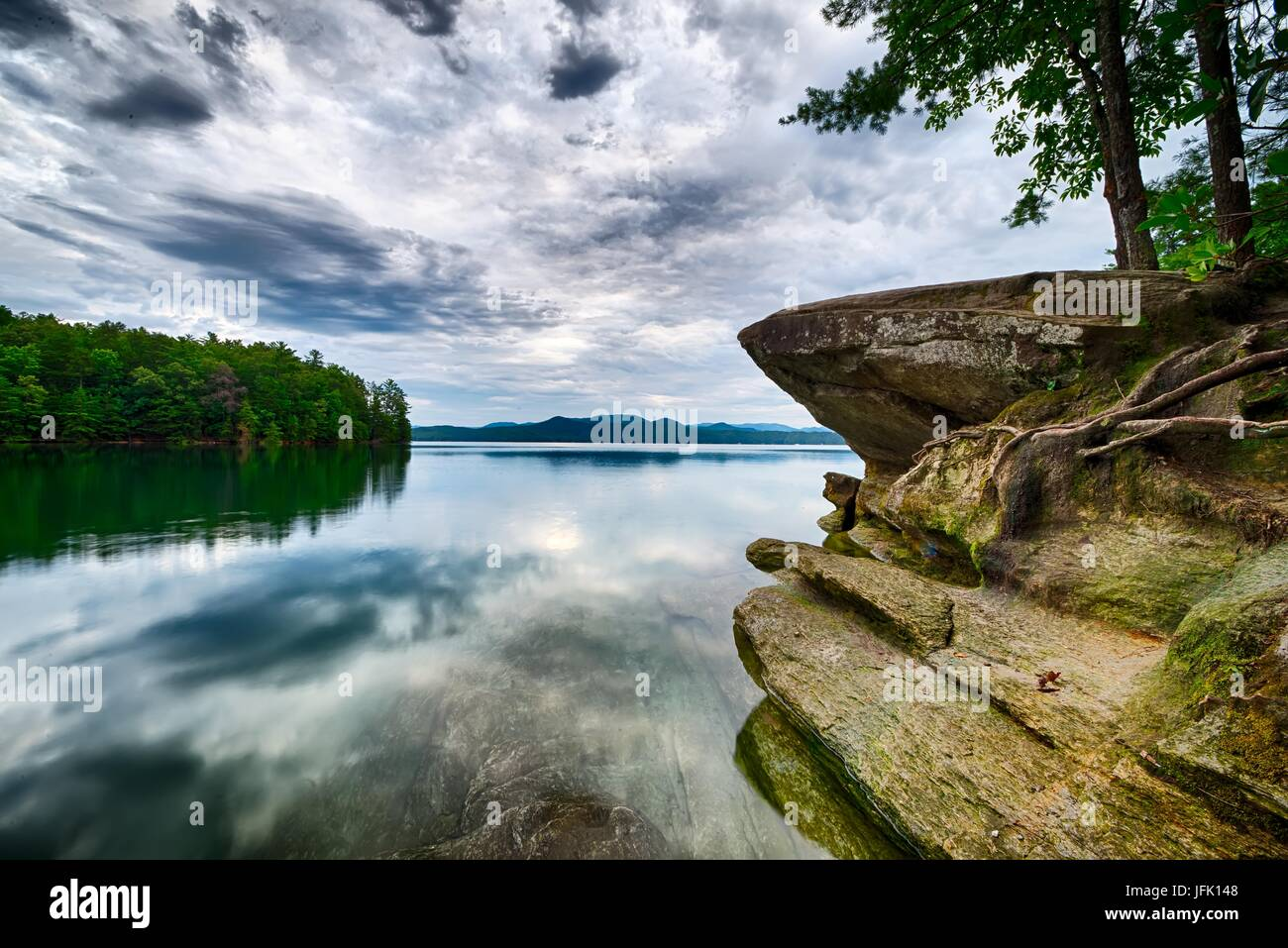 beautiful landscape scenes at lake jocassee south carolina - Stock Image