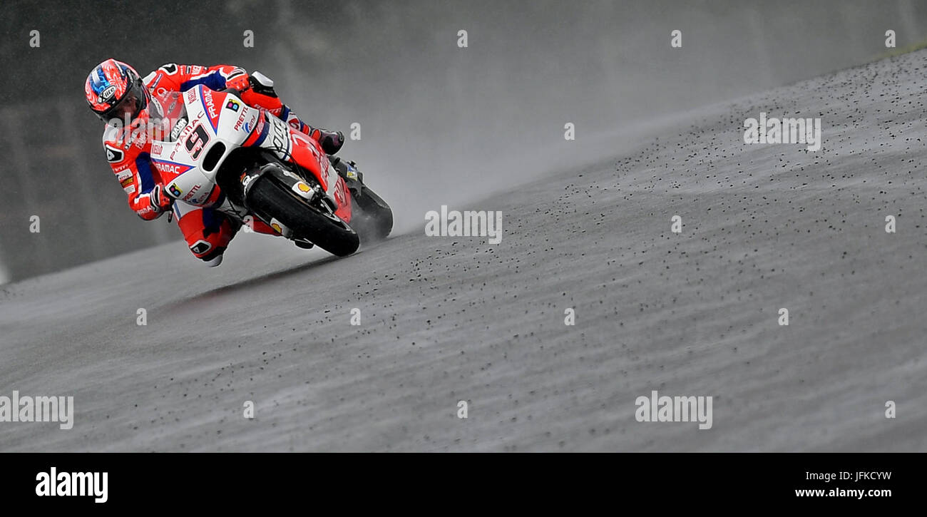 Hohenstein-Ernstthal, Germany. 1st July, 2017. Italian MotoGP rider Danilo Petrucci of OCTO Pramac Racing reaches - Stock Image