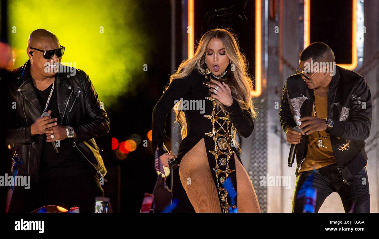 Long Island City, NY, USA. 30th June, 2017. Jennifer Lopez, Alexander Delgado, Randy Malcom Martinez, Gente de Zona Stock Photo