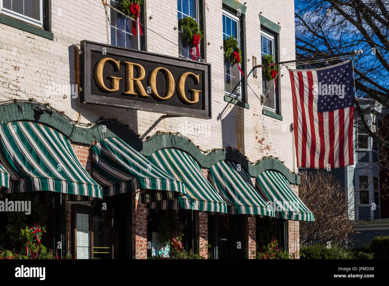 USA, Massachusetts, Newburyport, The Grog Pub, Middle Street - Stock Image