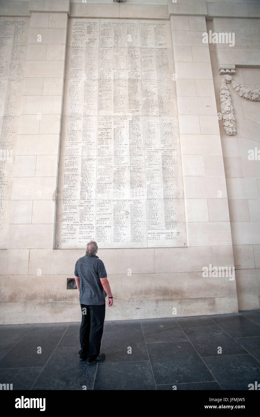 The Menin Gate Memorial to the Missing is a war memorial in Ypres, Belgium, dedicated to the British and Commonwealth - Stock Image