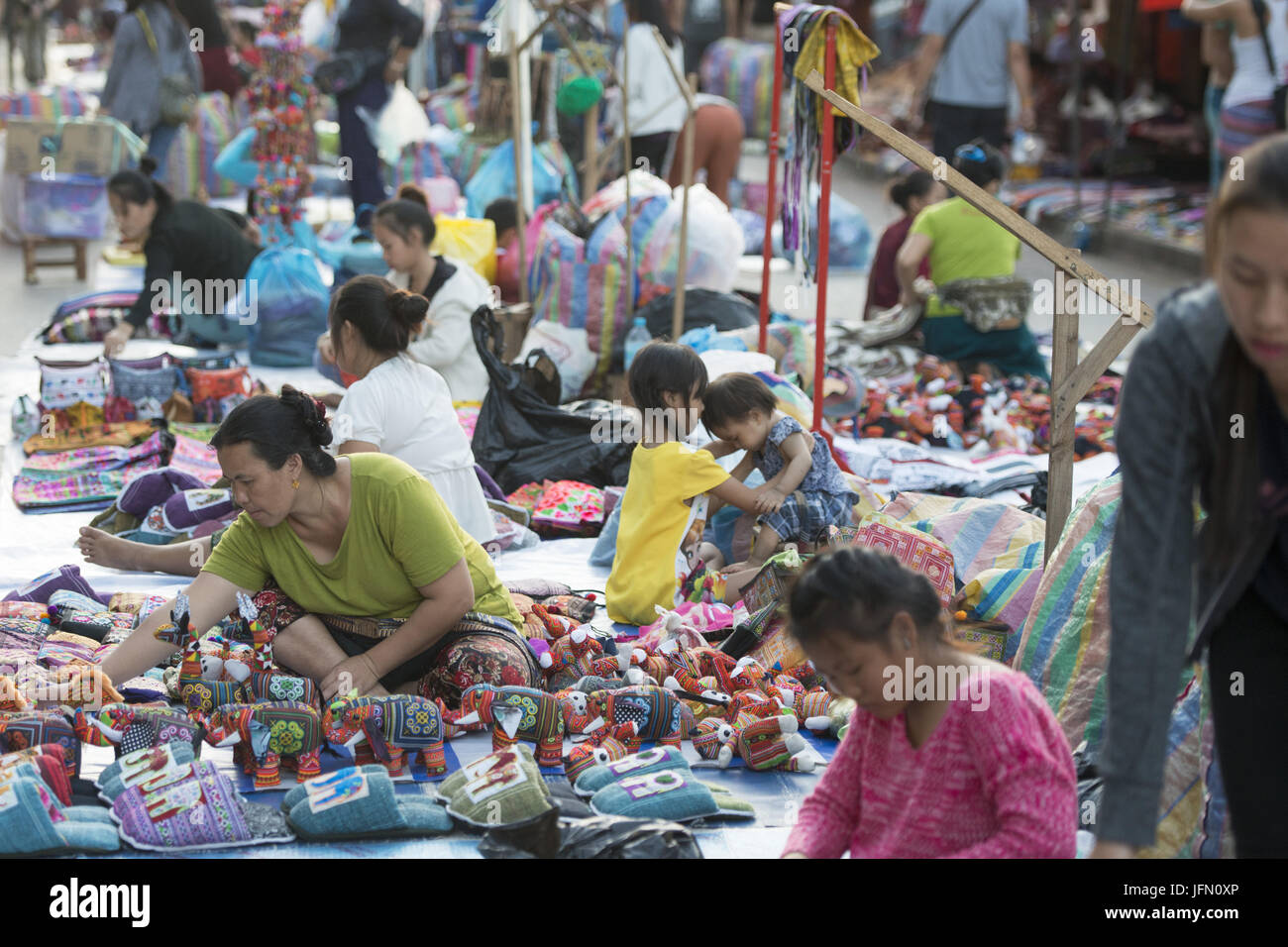 LAOS LUANG PRABANG NIGHTMARKET HANDICRAFT - Stock Image