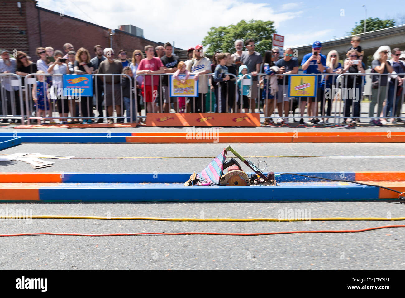 Seattle, Washington: Spectators watching the Power Tool Races at the Georgetown Carnival 2017. Sponsored by the - Stock Image