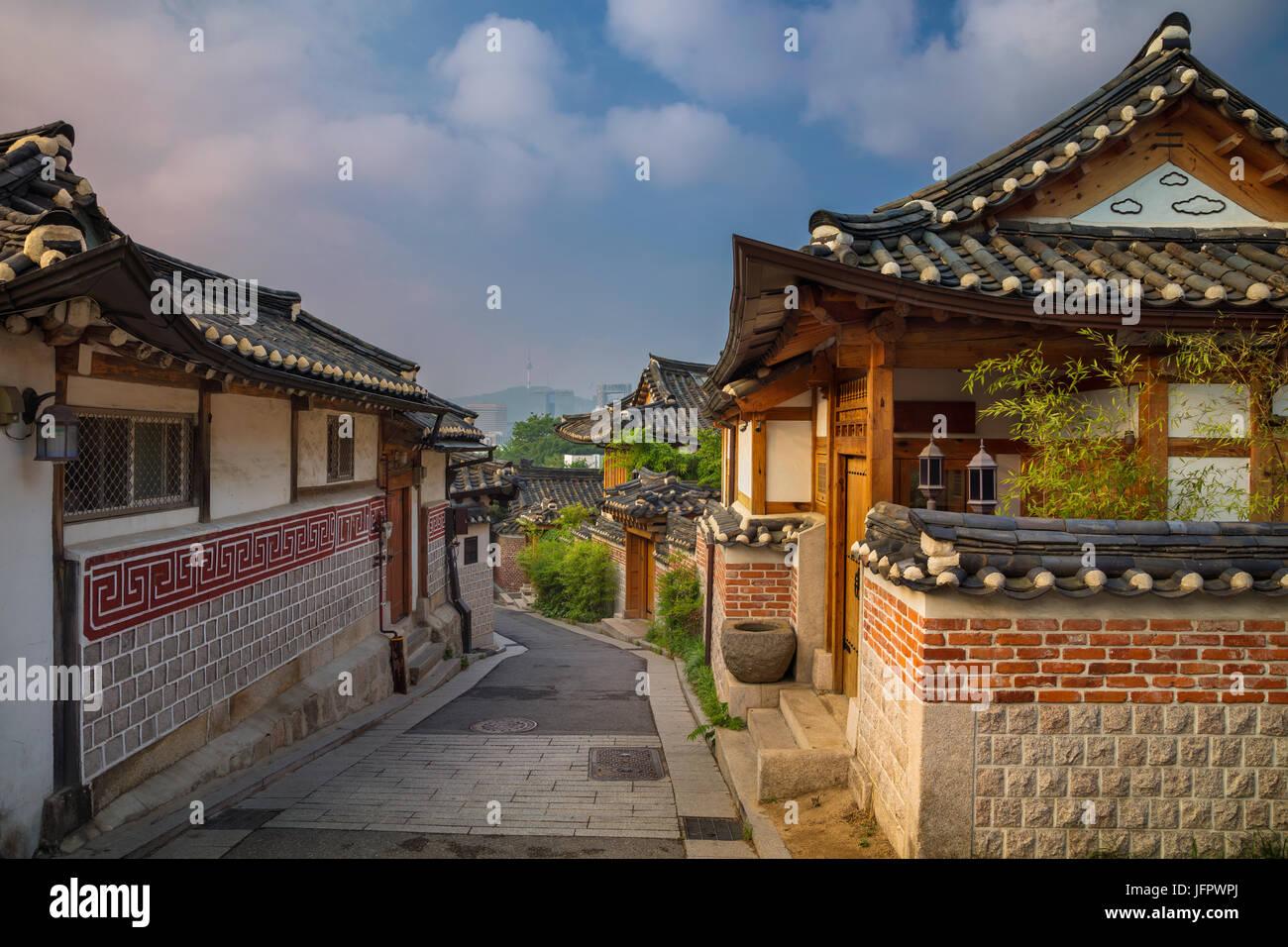 how to get to korean seoul village