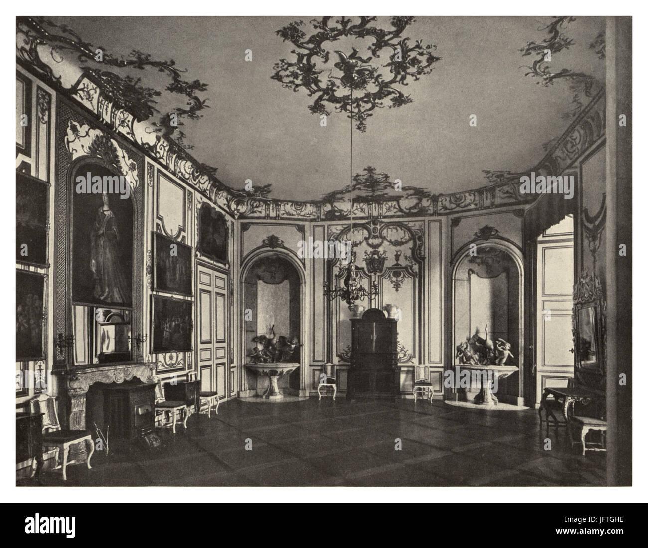 129 Schloß Brühl a. Rhein (Augustusburg).   Das Speisezimmer im Nordflügel - Stock Image
