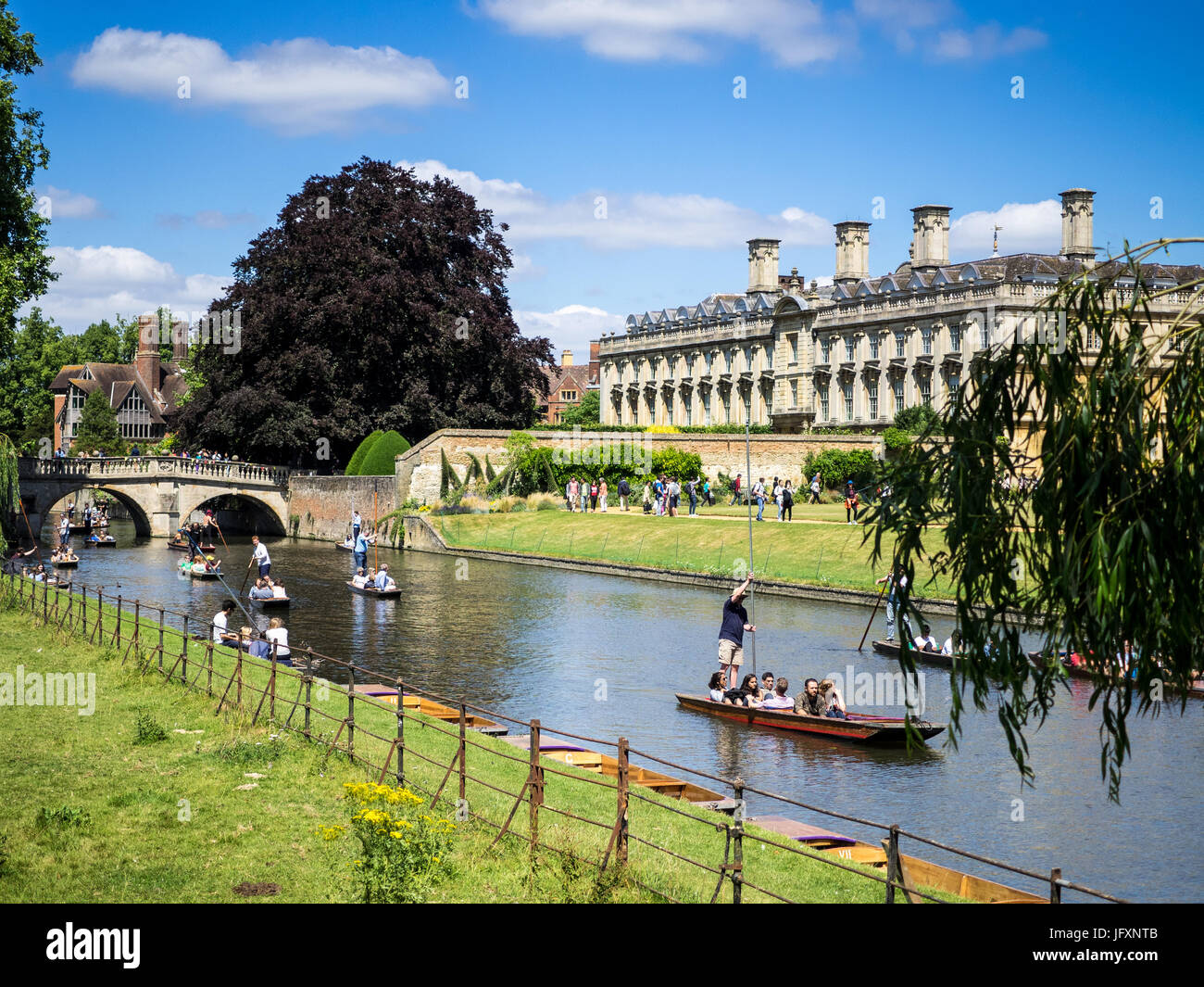 Cambridge Tourism - Punting on the River Cam in Cambridge UK - Stock Image