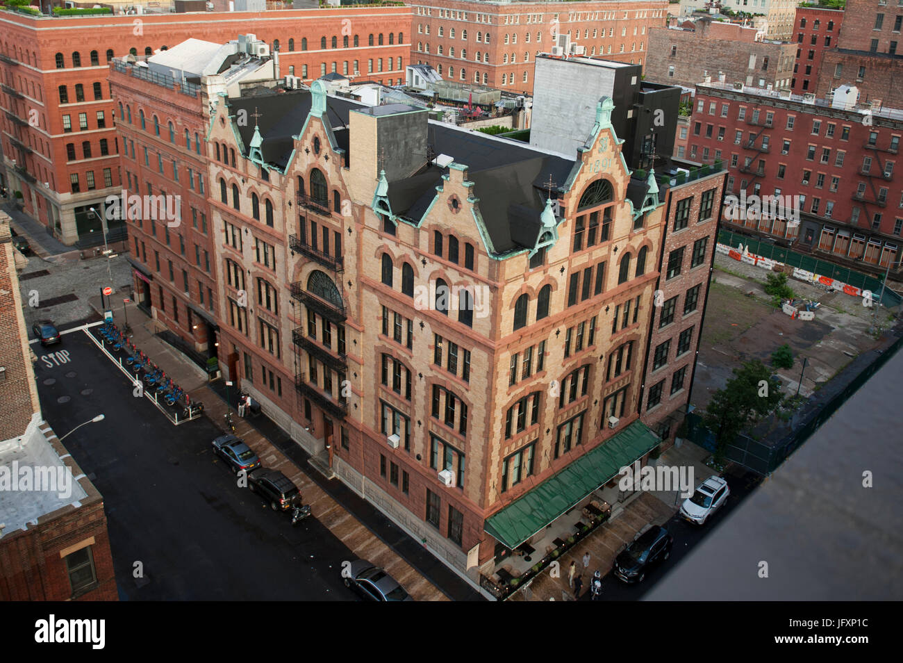 The Fleming Smith warehouse in Tribeca was designed by Stephen Decatur Hatch and built in 1891-1892. It served as - Stock Image