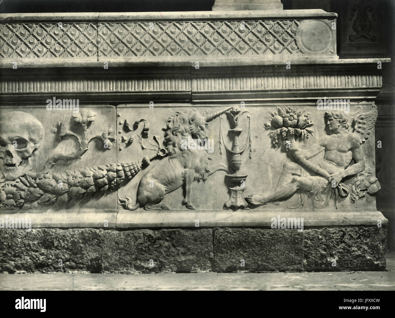 Detail of the base of Maria d'Aragona Memorial, Neaples, Italy - Stock Image