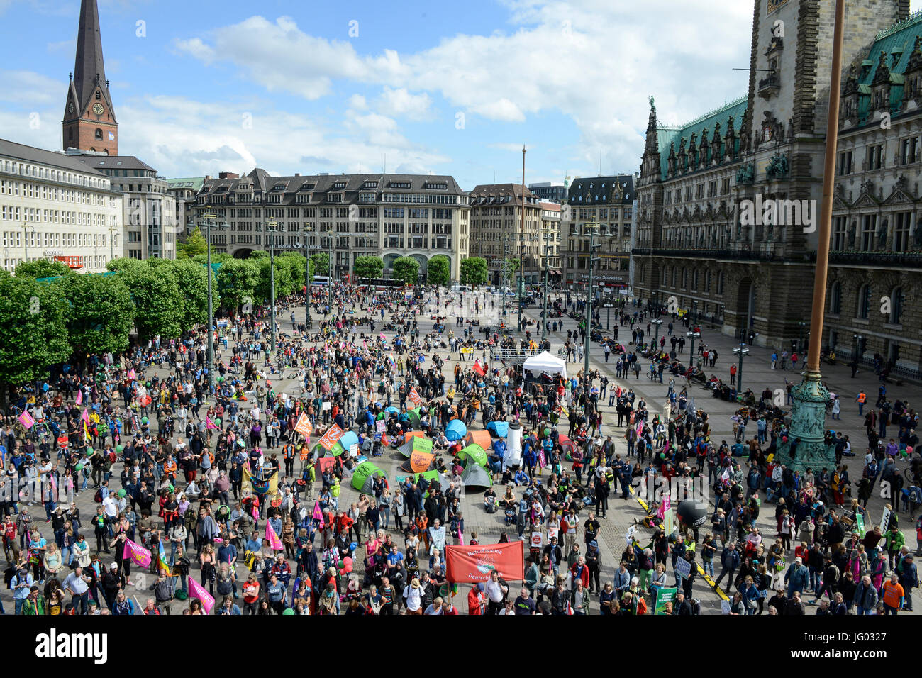 Hamburg, Germany. 02nd July, 2017. town hall market, protest rally against G-20 summit in july 2017 / DEUTSCHLAND, Stock Photo