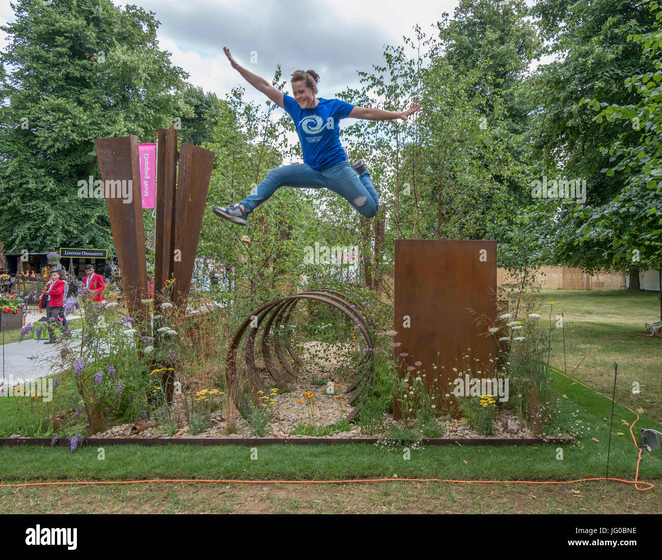 Hampton Court Palace, East Molesey, UK. 3rd July, 2017. Thuli Lamb, an urban free runner athlete from Parkour Generations, - Stock Image