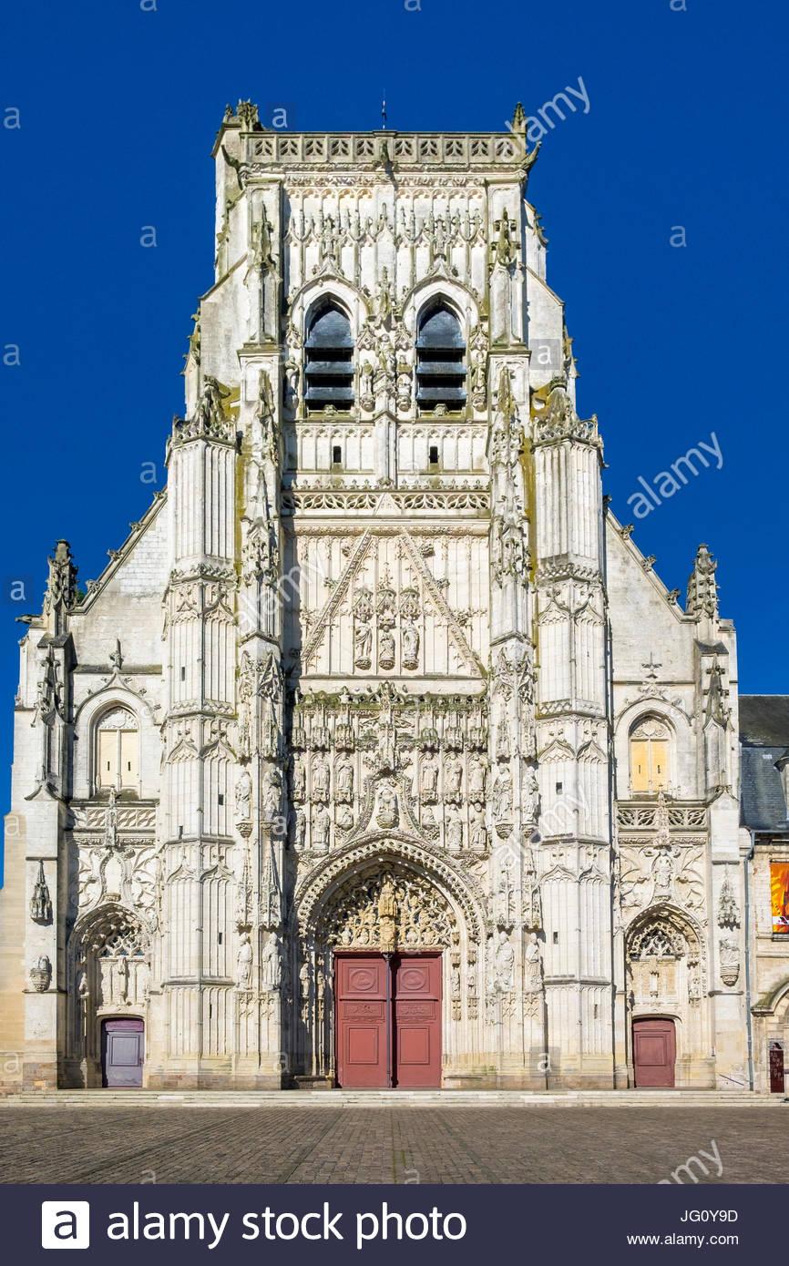 Gothic facade of Abbey church, Abbaye de Saint-Riquier, Nord-Pas-de-Calais-Picardie, Normandy, France - Stock Image