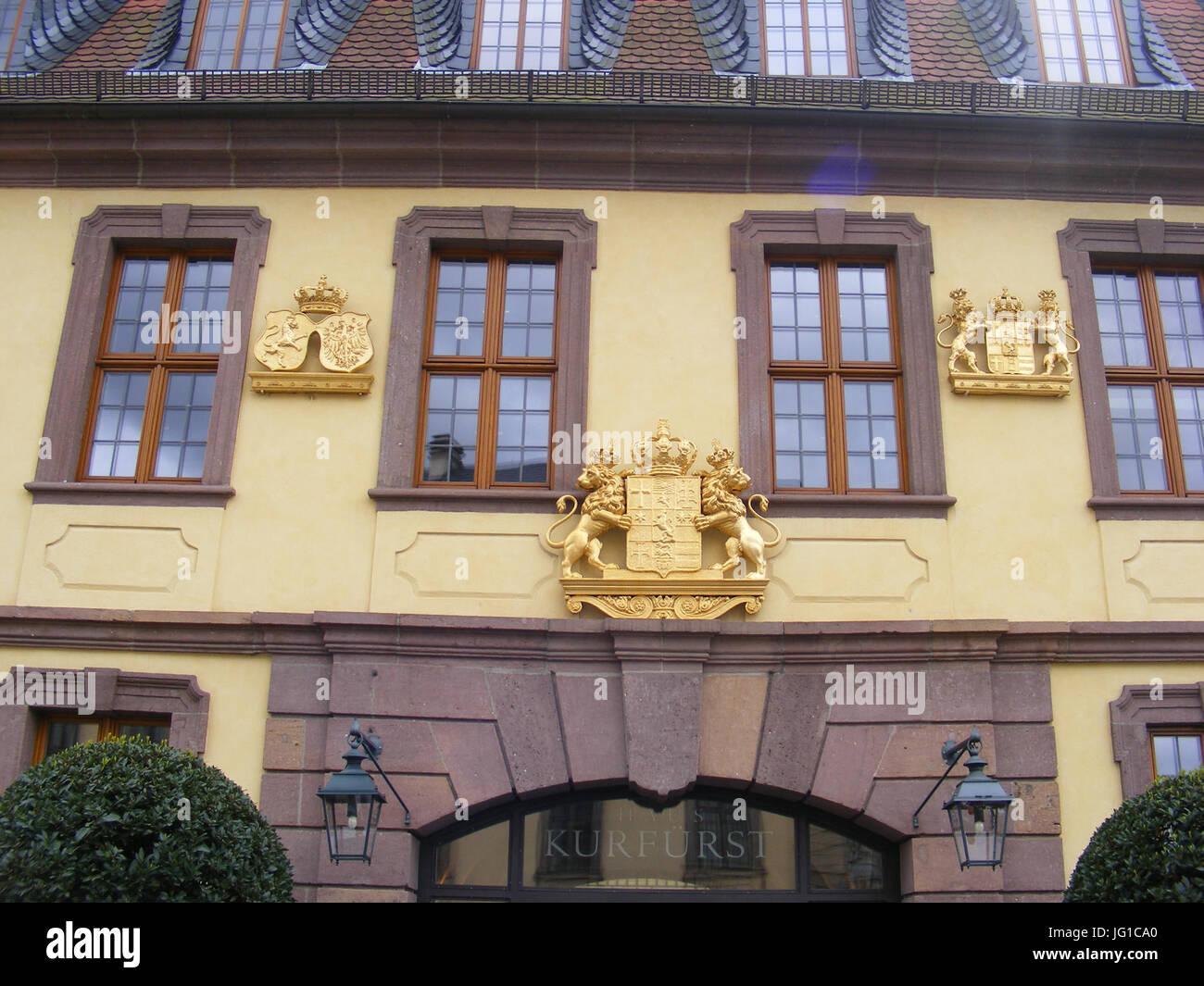 Fulda - Palais von der Tann, vergoldete Wappen über dem rechten Eingang - Stock Image