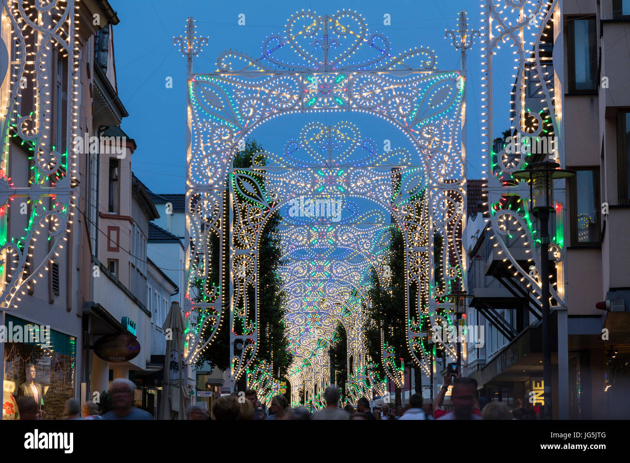 Light arcs in the pedestrian zone, Italian festivity Festa Italiana, Unna, Ruhr area, North Rhine-Westphalia, Germany - Stock Image
