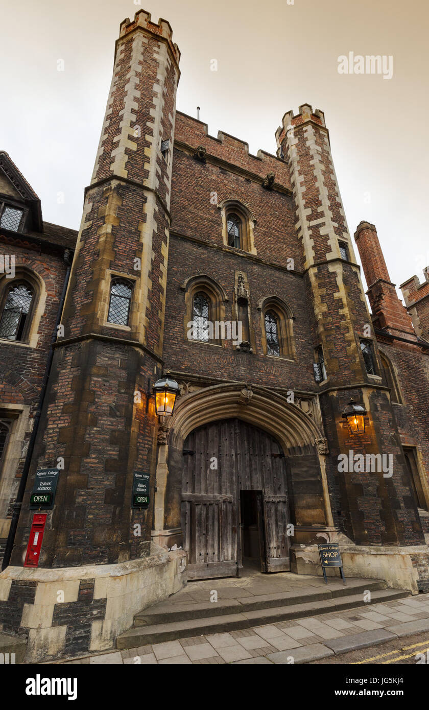 Queens gatehouse, the former main entrance to Queens college Cambridge, dating from 15th century, Queens Lane, Cambridge - Stock Image