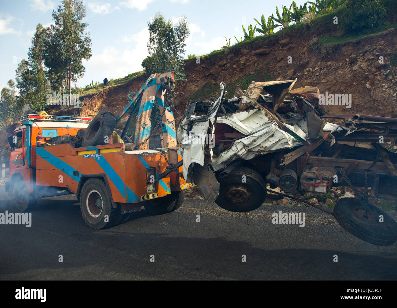 Car being towed after accident, Gurage Zone, Butajira, Ethiopia ...