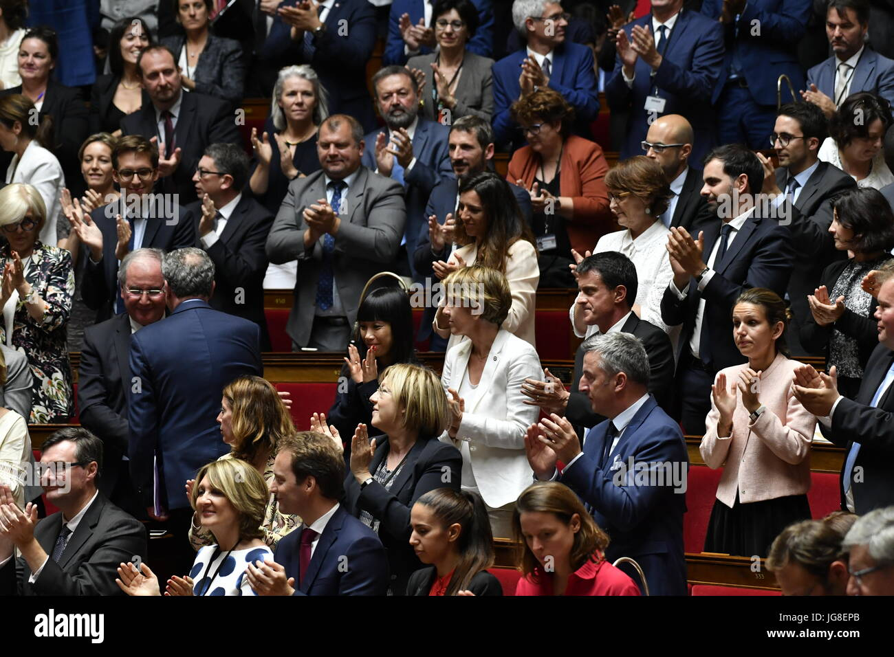 Paris, France. 4th July, 2017.  Speech by Edouard Philippe to the National Assembly.    Members applaud during the - Stock Image