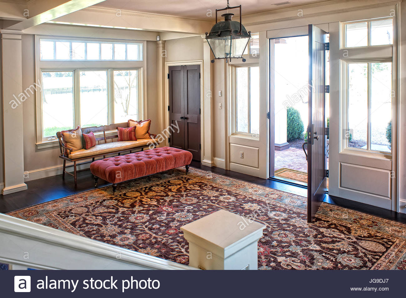 Large Foyer Entryway Wood Bench With Cushion And Pillows Antique Chandelier Area Rug Farmhouse Country Decor